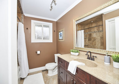 19_11 Colonial Street_Bathroom