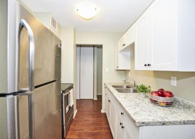 9_6400 Huggins Street_Eat-in Kitchen